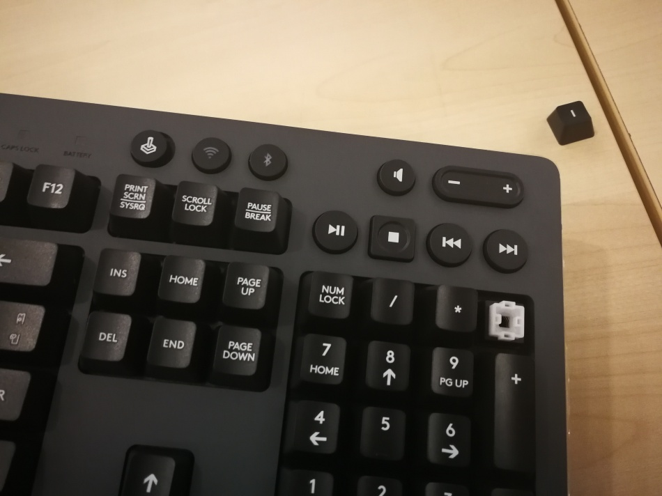 Logitech G613 Switch and Button