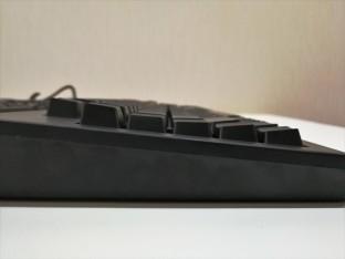 Razer BlackWidow Chroma X vs V2 SideV2