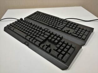 Razer BlackWidow Chroma X vs V2 FrontX