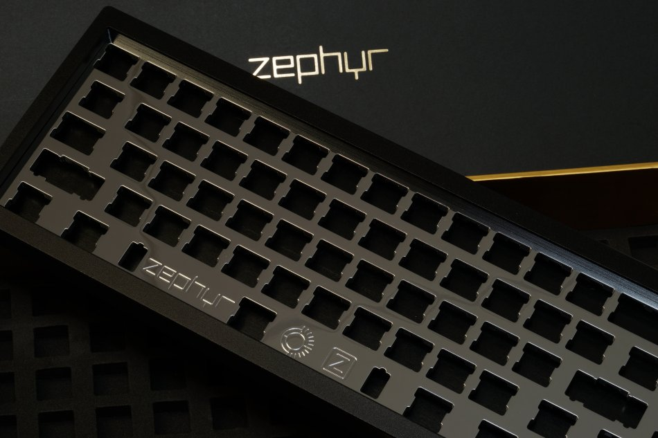 Zephyr_Onyx_Black