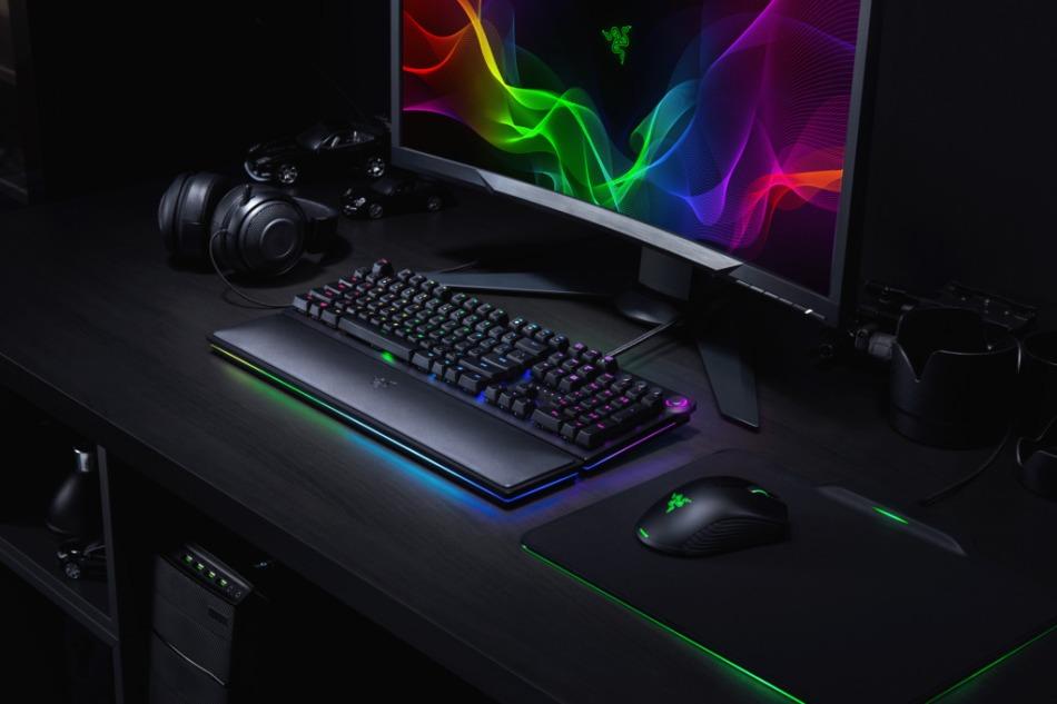 Huntsman Elite [2018] Setup Shoot Chroma Hyperflux Mamba Firefly Kraken Pro V2 (1)